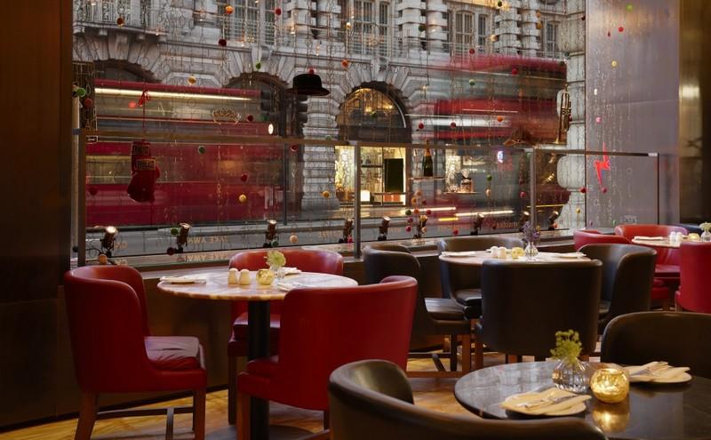 Café Royal on Regent Street dessert restaurant in London--atmosphere
