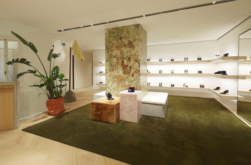 Celine 39 s new boutique at avenue montaigne paris 2luxury2 com - Boutique avenue victor hugo ...