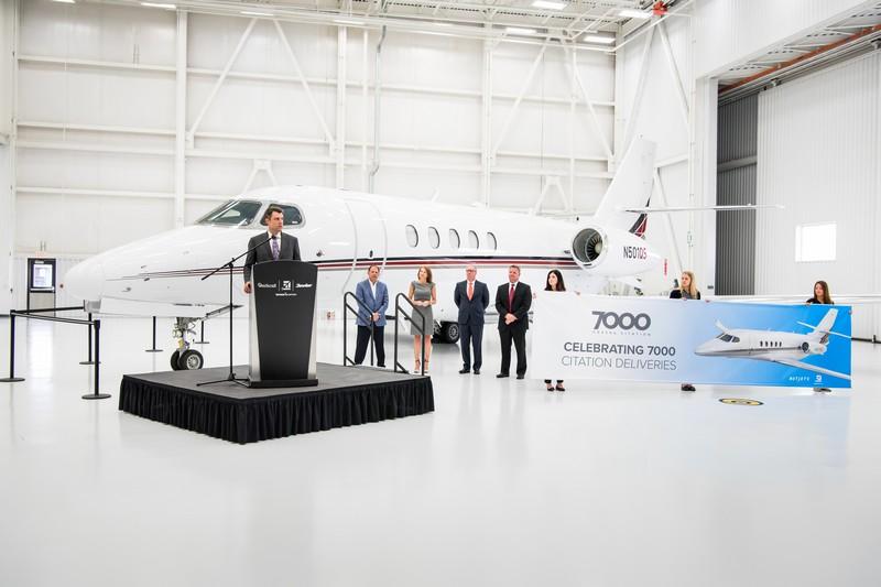 Cessna Aircraft delivers milestone 7,000th Citation Latitude midsize business jet -netjets-delivery-2016-