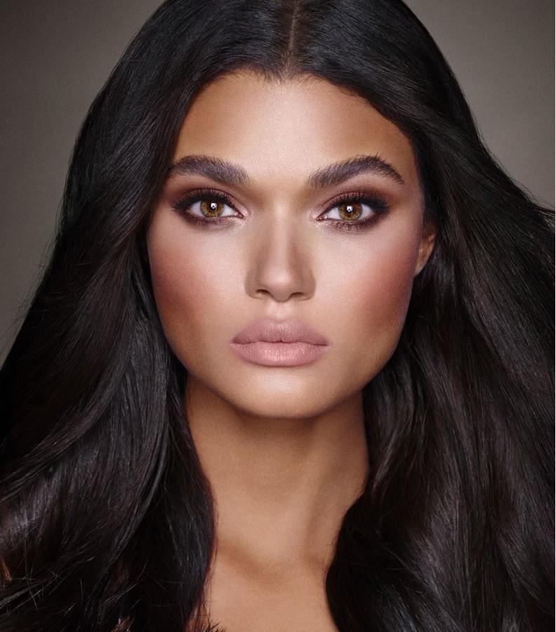 Charlotte TilburyIcon makeup