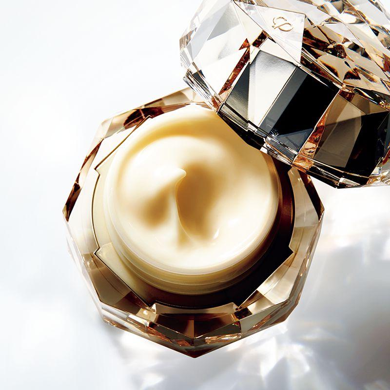 Clé de Peau Beauté 2016 collection unveiled in Shanghai-2luxury2
