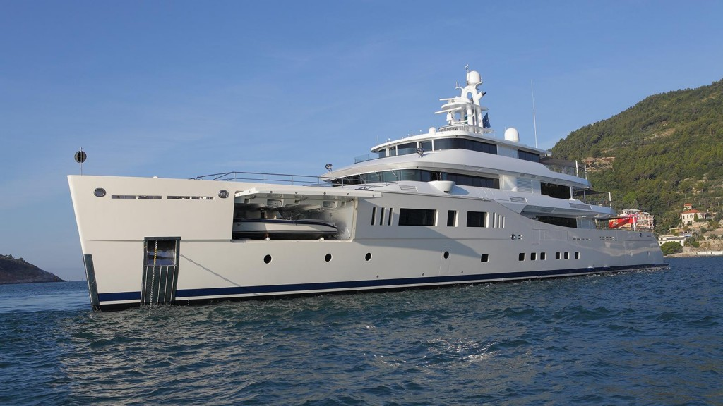 DISPLACEMENT MOTOR YACHT OF 1,300GT TO 2,999GT OF BELOW 75M - GRACE E