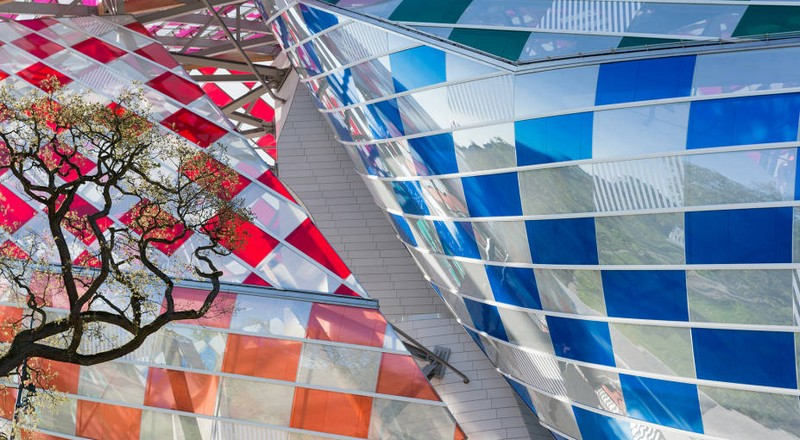 Daniel Buren is showing Fondation Louis Vuitton in a new light-