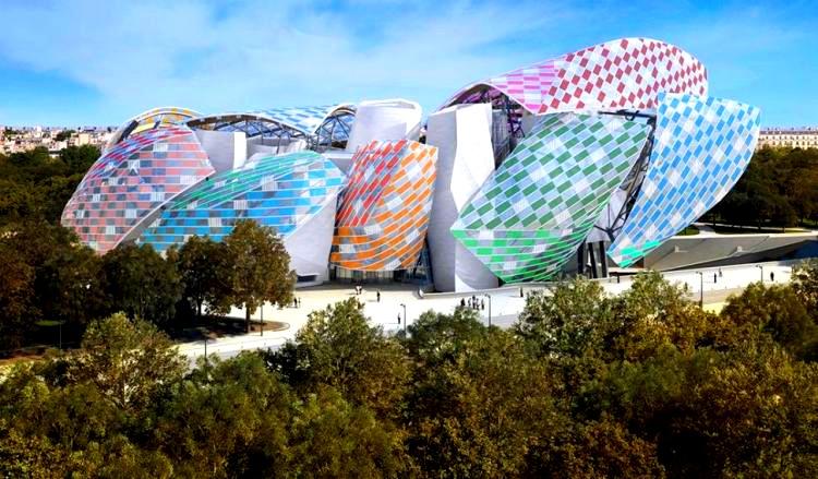 Daniel Buren is showing Fondation Louis Vuitton in a new light-2016 exhibition-