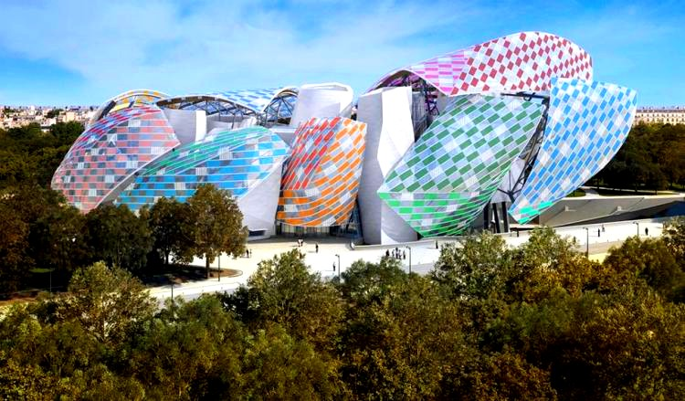 Daniel Buren is showing Fondation Louis Vuitton in a new light-2016 exhibition-