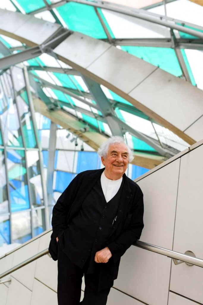 Daniel Buren is showing Fondation Louis Vuitton in a new light-2016 exhibition