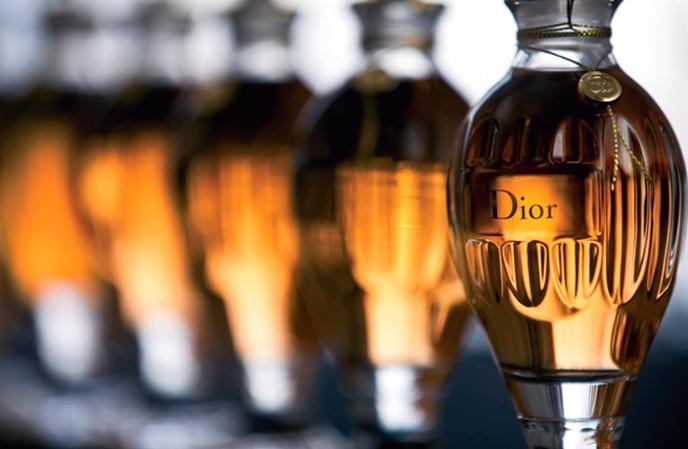 Dior amphoras are back - Dior revisits original perfume amphoras