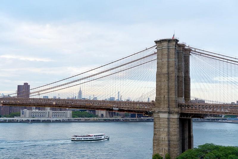discover-a-waterfront-retreat-at-1-hotels-brooklyn-bridge