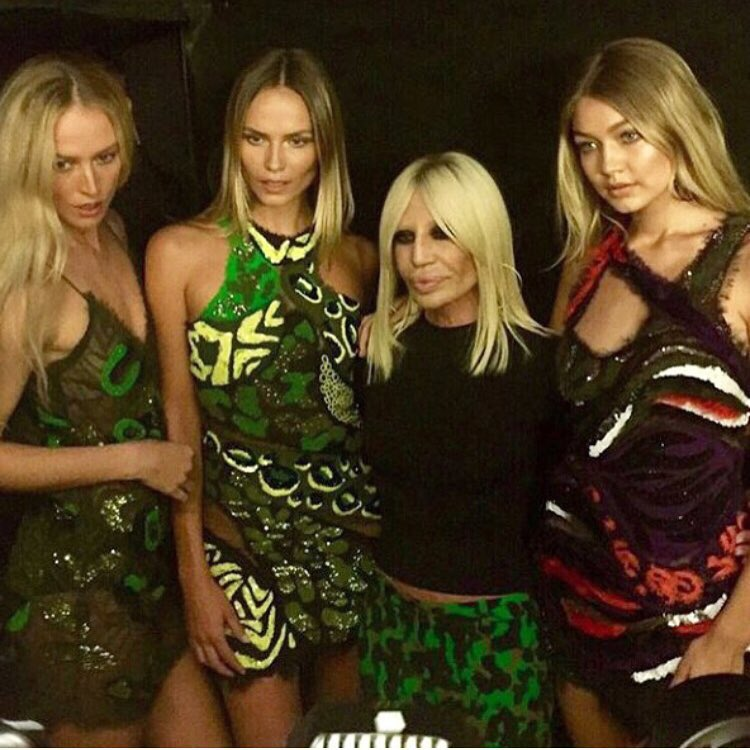donatella-versace-this-colors-and-that-print