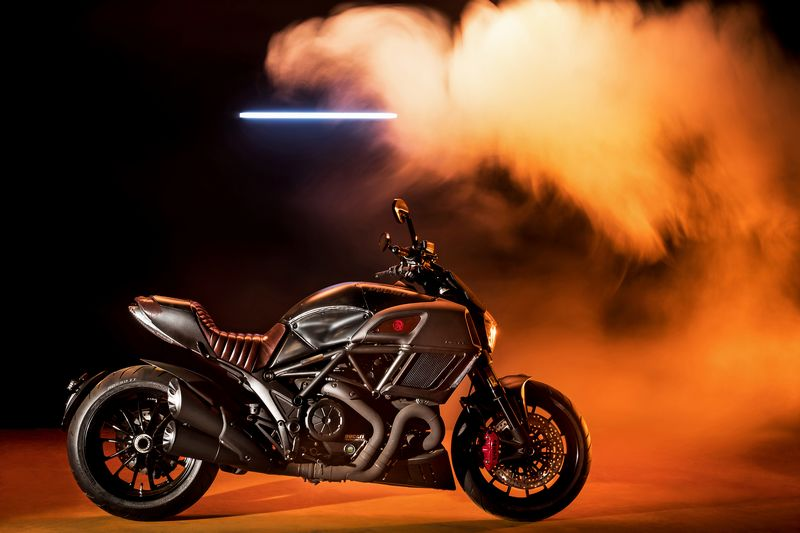Ducati Diavel Diesel – Never Look Back-2017