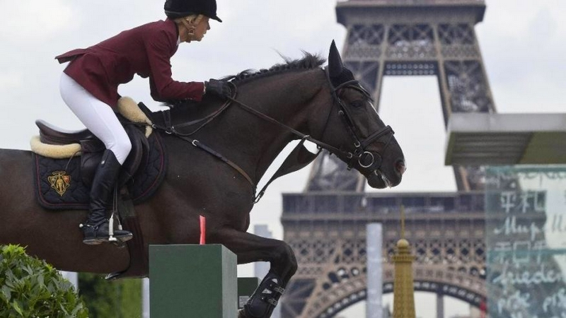 Eiffel jumping horse show in Paris