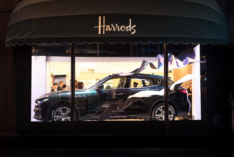 ermenegildo-zegna-takes-to-the-road-with-its-exclusive-ss17-maserati-capsule-collection-harrods-london-2016