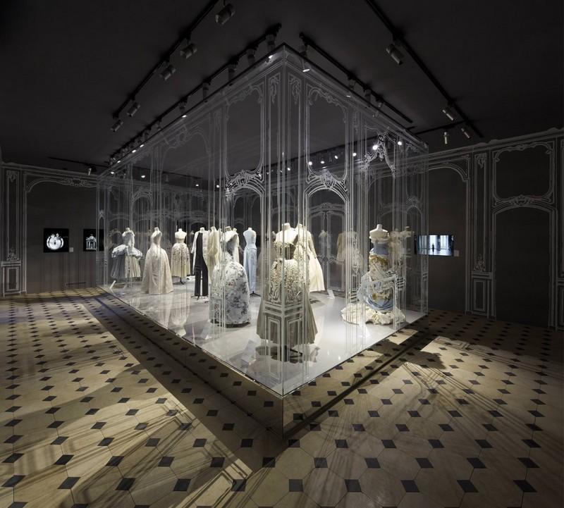 Esprit Dior Exhibition 2015--001