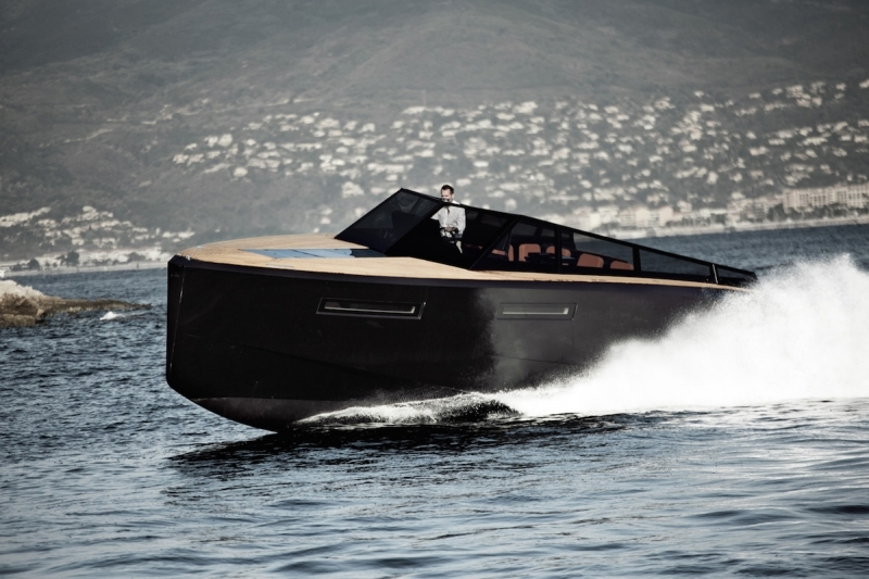 evo-yachts-evo-43-photos-luxury-boats
