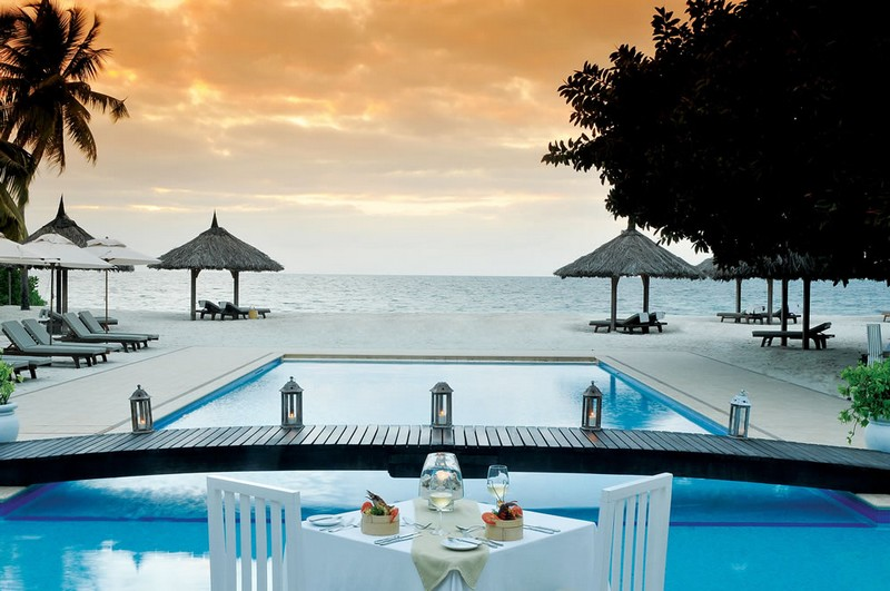 FOUR SEASONS TO MANAGE EXCLUSIVE LUXURY RESORT ON DESROCHES ISLAND-
