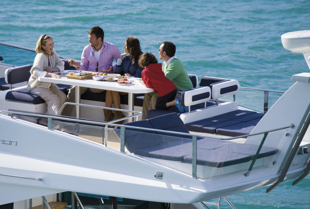 Fairline Yachts -Squadron 65 Hard Top