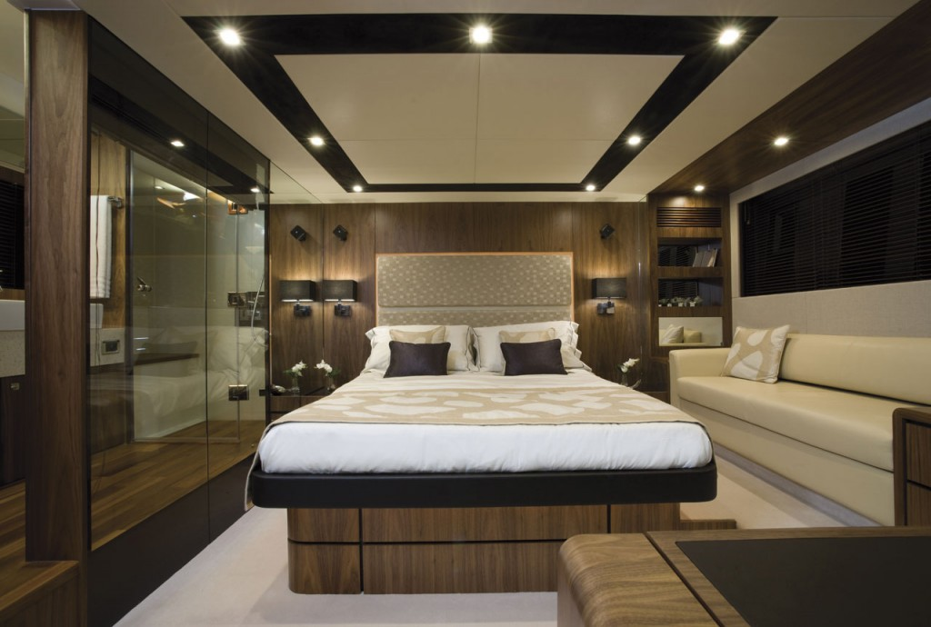 Fairline Yachts -Squadron 65 Hard Top - Interior