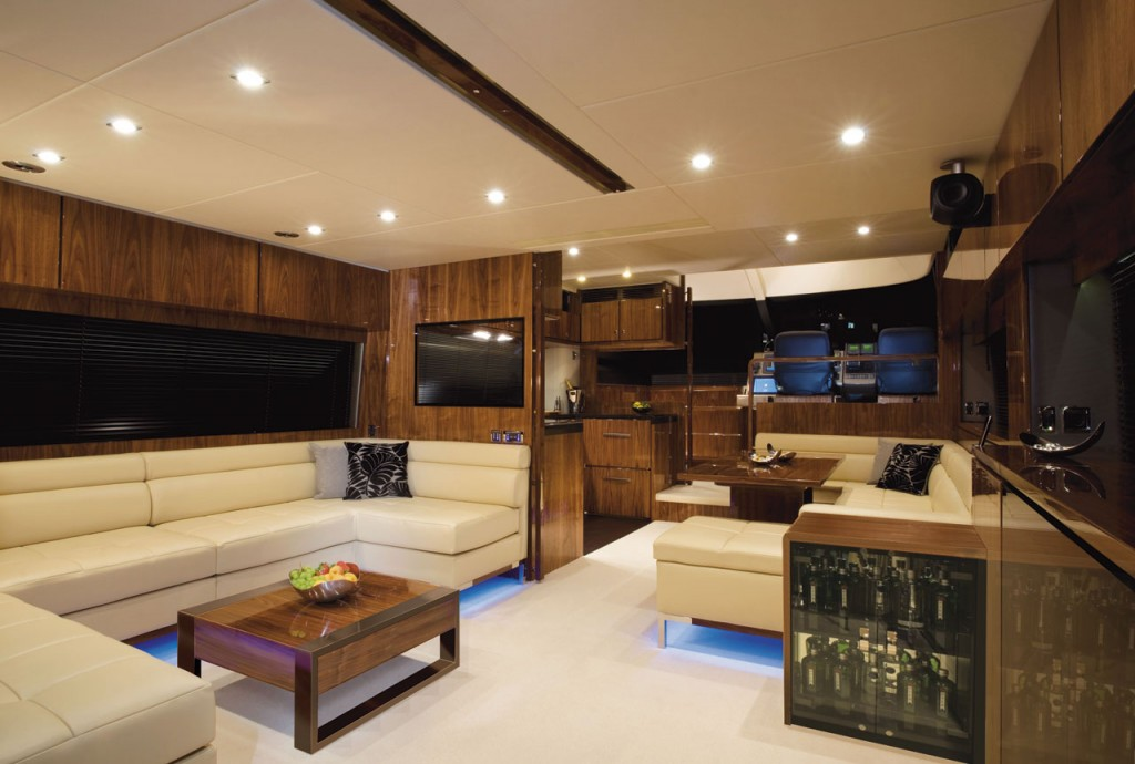 Fairline Yachts -Squadron 65 Hard Top - Interior2