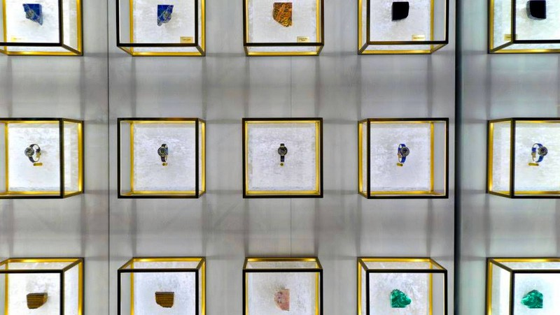 fendi-policromia-watch-collection-now-on-display-at-the-fendi-madison-avenue-flagship-store-2016