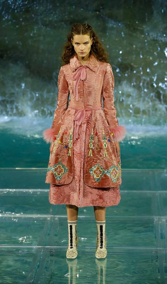 Fendi The Legends and Fairy Tales fashion show at the Trevi Fountain in Rome-2016-02