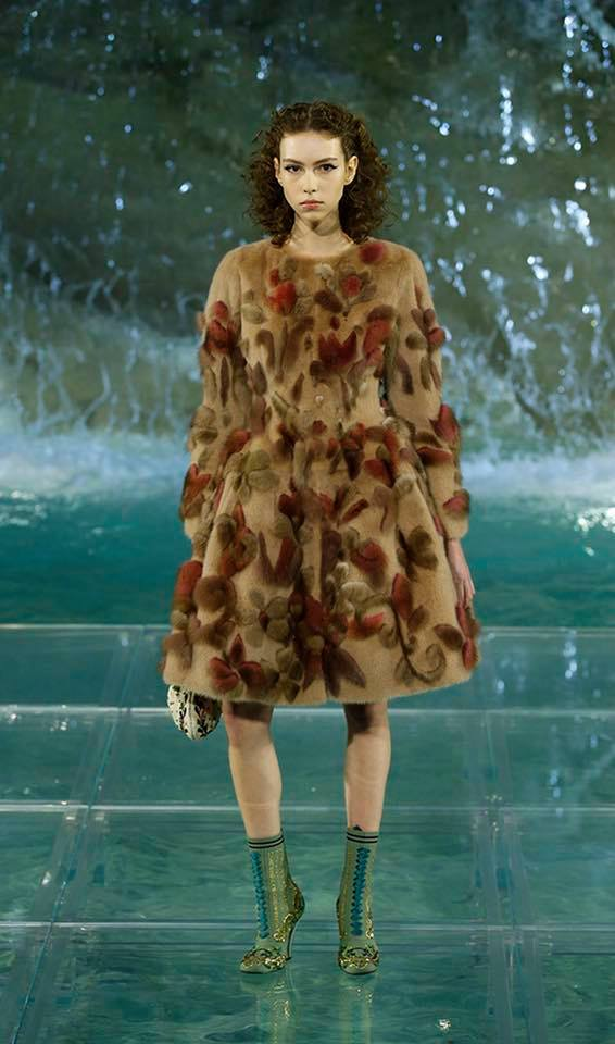 Fendi The Legends and Fairy Tales fashion show at the Trevi Fountain in Rome-2016-04