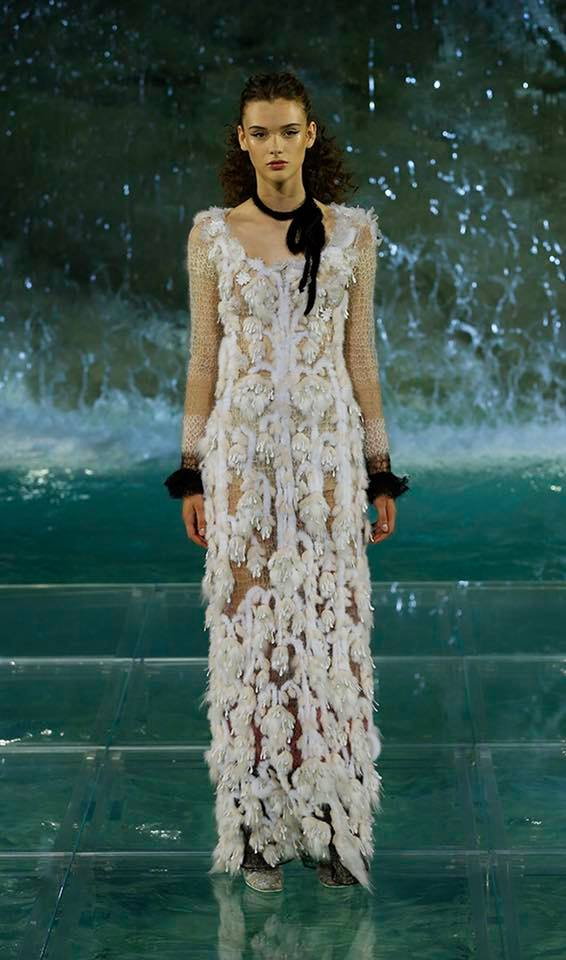 Fendi The Legends and Fairy Tales fashion show at the Trevi Fountain in Rome-2016-07