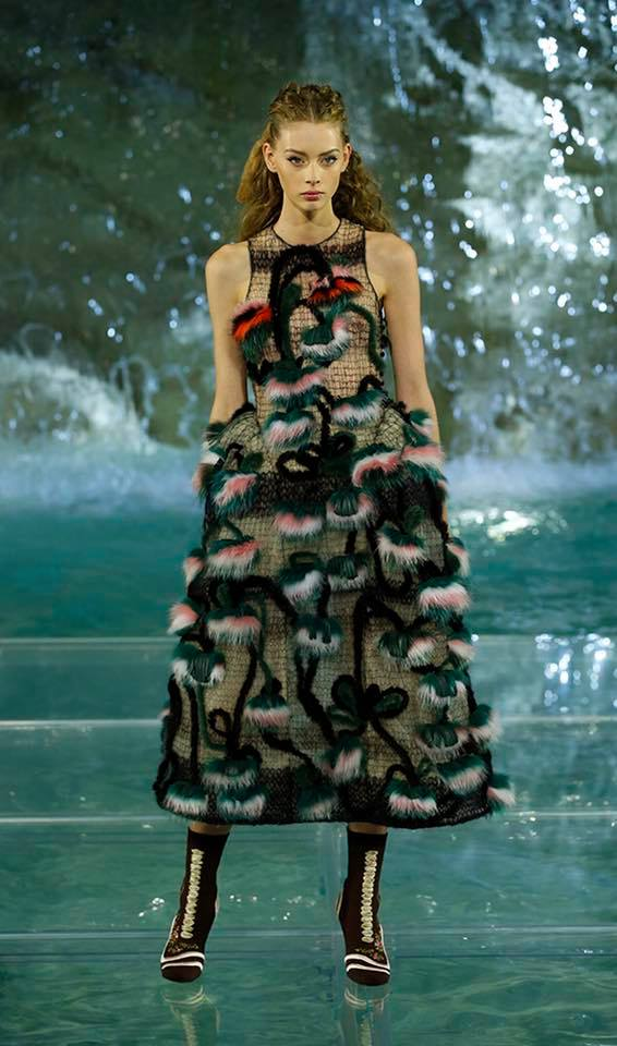 Fendi The Legends and Fairy Tales fashion show at the Trevi Fountain in Rome-2016-08
