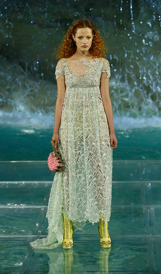 Fendi The Legends and Fairy Tales fashion show at the Trevi Fountain in Rome-2016-09