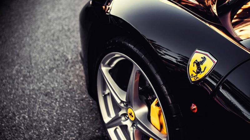 Ferrari-noir