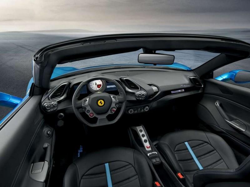 Ferrari retractable hard top for the 488GTB coupé model - interior
