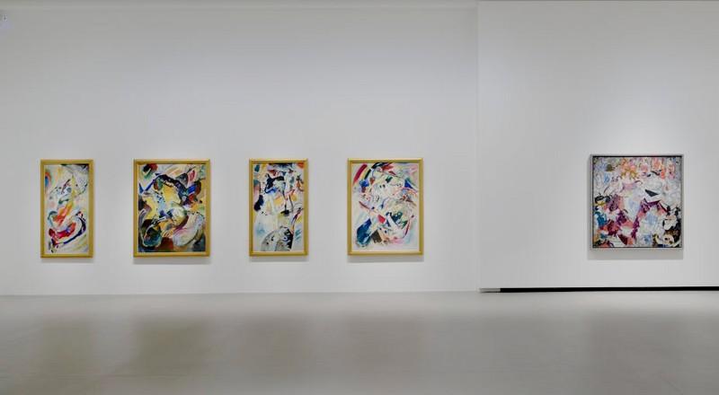 Fondation Louis Vuitton glass panels-