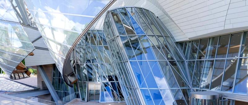 Fondation Louis Vuitton glass panels--