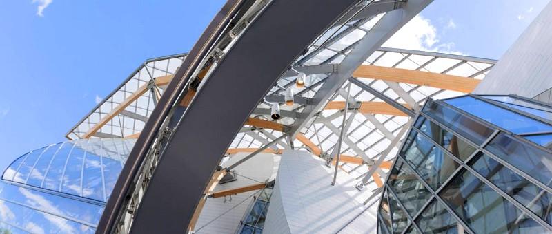 Fondation Louis Vuitton glass panels