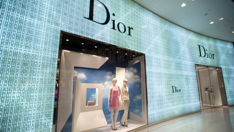 Four Seasons Hotel Dubai International Financial Centre-high-end shopping at dubai mall