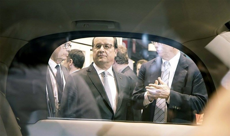 François Hollande and the prototype of the Google Self-Driving Car project - vivatech2016- 2luxury2