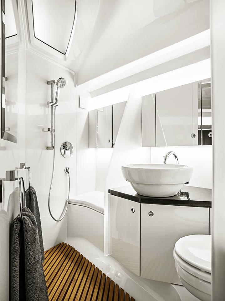 Frauscher 1414 Demon bathrooms