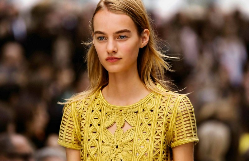 Functionregalia 2015 - Burberry's Womenswear Spring - Summer 2016-002