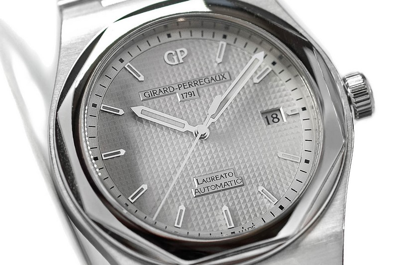 Girard Perregaux Laureato 2016 watch pre Baselworld