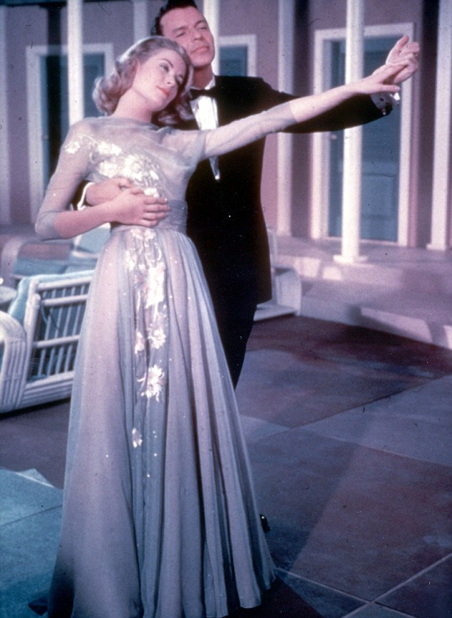 grace-kelly-and-frank-sinatra-in-a-scene-from-the-1956-film-high-society