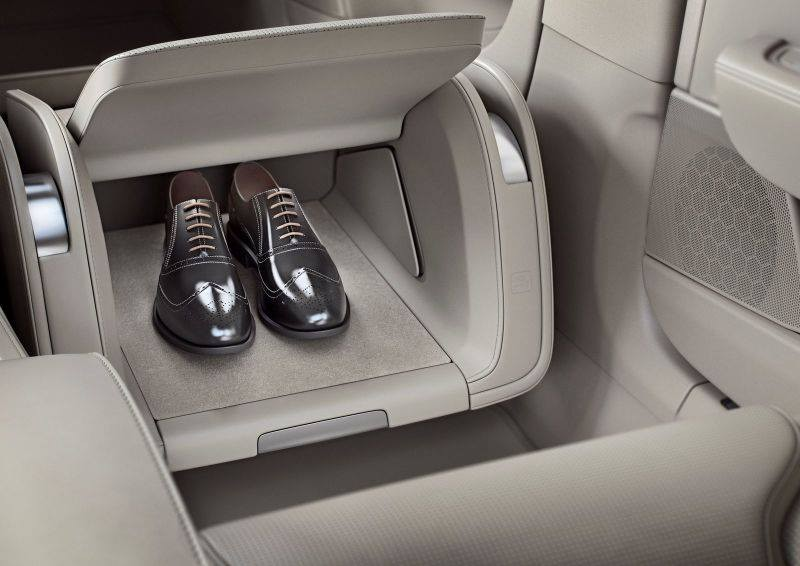 guangzhou-motor-show-volvo-cars-s90-excellence-to-be-the-most-premium-car-ever-made-in-china