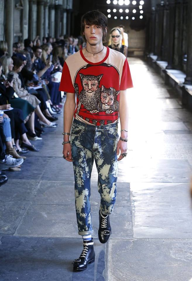 Gucci Cruise 2017 Fashion Show - Exit 1 at Westminster Abbey 2016