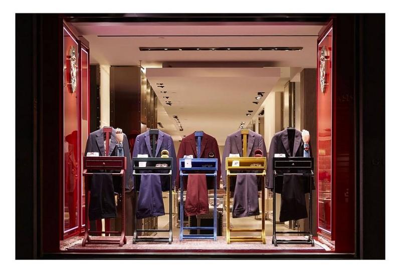 Gucci DIY service in the Gucci Milan Montenapoleone store 2016 Milan Fashion Week