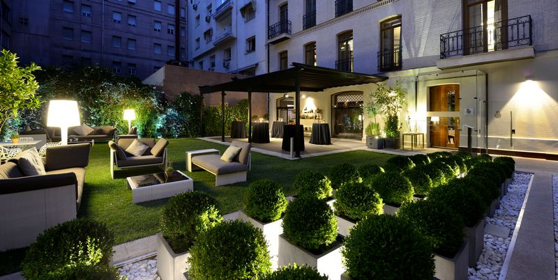 HOTEL ÚNICO MADRID Spain - small luxury hotels of the world-garden at night