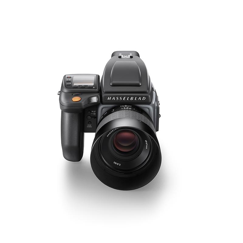 Hasselblad new H6D camera--