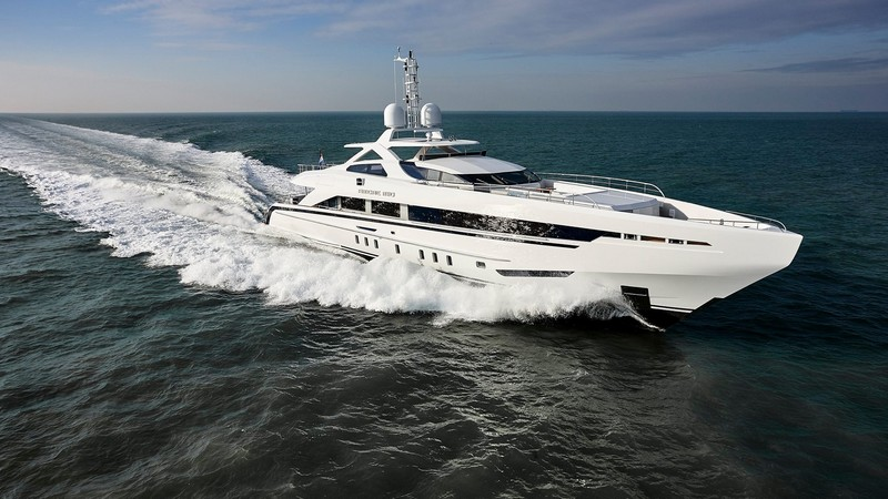 Heesen yachts Amore Mio is the largest and most powerful sports yacht ever built in the Netherlands-2016