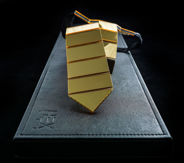Hextie_emirates-2015-gold-reflective-polumer