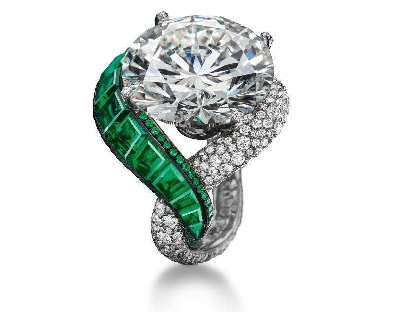 high-jewellery-ring-folies-collection-biennale-des-antiquaires-paris
