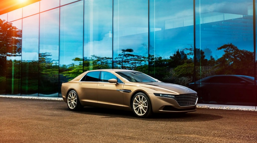 High speed dynamic attractions at the 22nd Festival of Speed-Lagonda Taraf