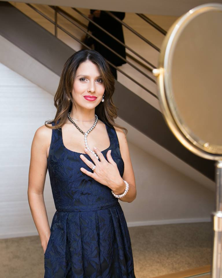 hilaria-baldwin-looked-stunning-at-the-grand-reopening-of-the-mikimoto-flagship-boutique
