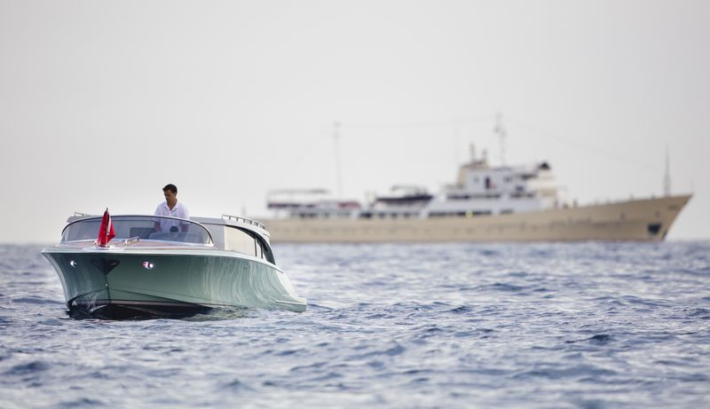 Hodgdon yachts 10.5 meter custom limo tender2016-